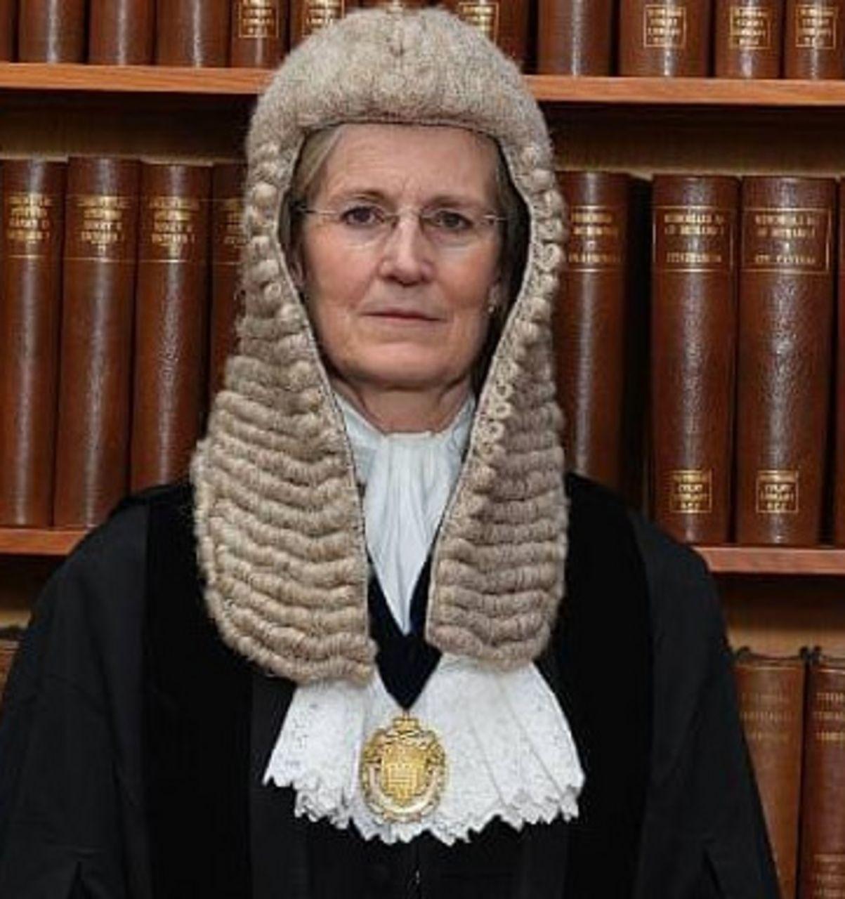 La juge Emma Arbuthnot, magistrat en chef et juge de district supérieur pour l'Angleterre et le Pays de Galles.