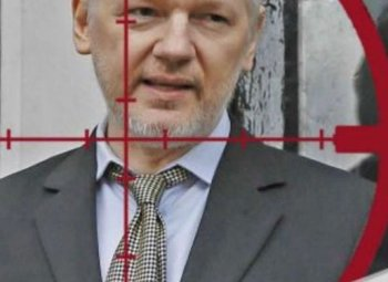 Julian Assange (WikiLeaks), entretien en 2014 pour «le grand journal»